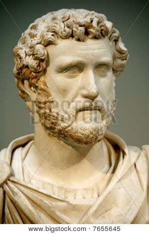 Statue head of Antoninus Pius