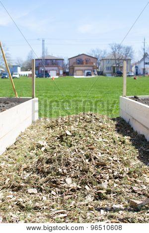 Urban Horticulture - A community vegetable garden being built