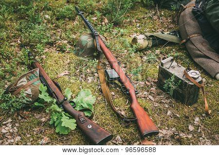 Soviet and German rifles of World War II - SVT 40 and Mauser Kar