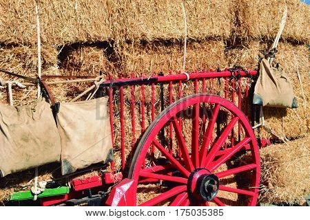 Transport of straw. Provision of charcoal with cart in ancient times.