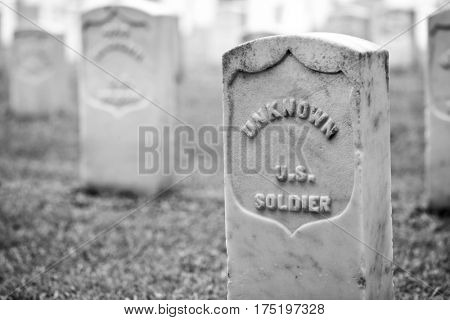 tombstone of an unknown soldier
