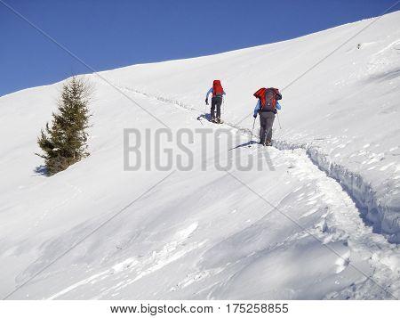 Walking People To Cima Fojorina