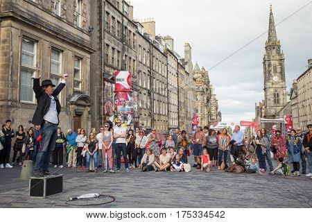 EDINBURGH, SCOTLAND. AUGUST 27. Artists perform during the Edinburgh Fringe on August 27, 2016 in Edinburgh, Scotland