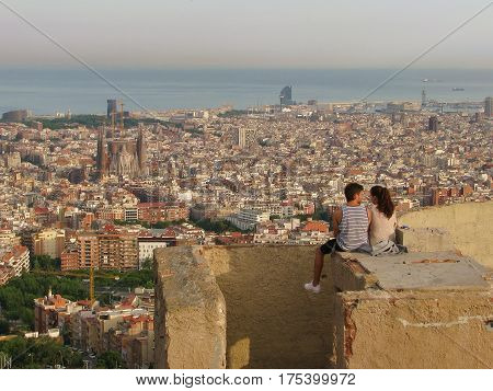 Rendezvous in Barcelona at sunset on the hill