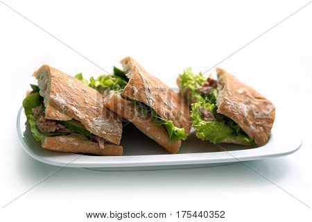 Tuna Sandwiches With Lettuce