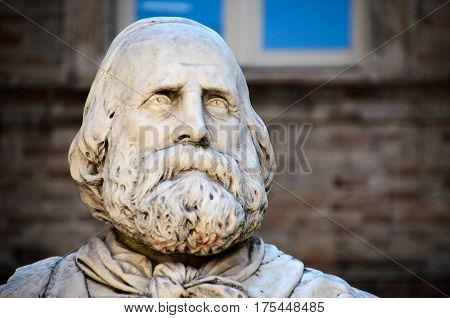 garibaldi statue face beard italian history hero