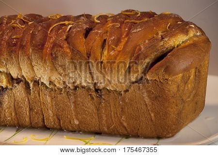 freshly baked crusty bread. Sweet with cinnamon. roasted crust texture