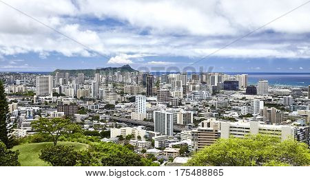 Diamond Head And Waikiki Hawaii City Skyline