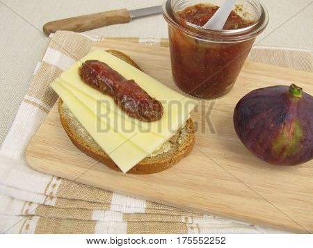 Cheese bread with fig mustard and fresh fruit