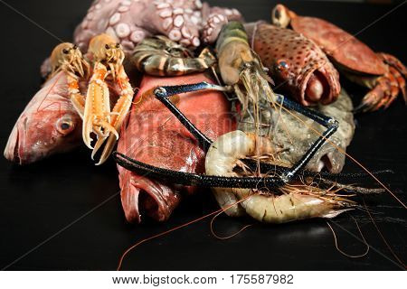 Seafood, fresh, raw, shrimp, crab, fish, octopus, lobster, menu, restaurant, ingredients,
