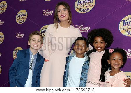 LOS ANGELES - MAR 4:  Parker Bates, Mandy Moore, Lonnie Chavis, Faithe Herman, Eris Baker at the