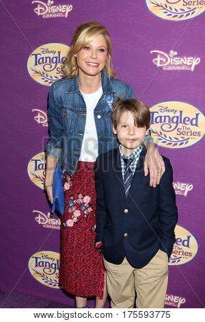 LOS ANGELES - MAR 4:  Julie Bowen, Oliver Phillips at the