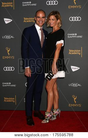 LOS ANGELES - SEP 16:  Michael Kelly, Karyn Kelly at the TV Academy Performer Nominee Reception at the Pacific Design Center on September 16, 2016 in West Hollywood, CA