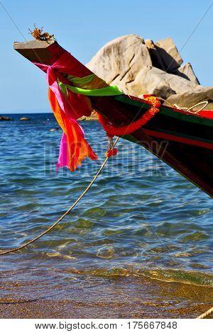 Prow      Kho Tao Bay Isle White  South China Sea