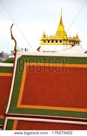 Roof  Gold    Temple   Bangkok  Thailand