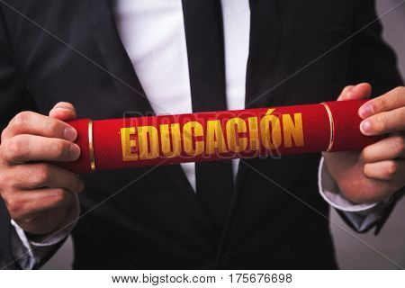 Education (in Spanish)