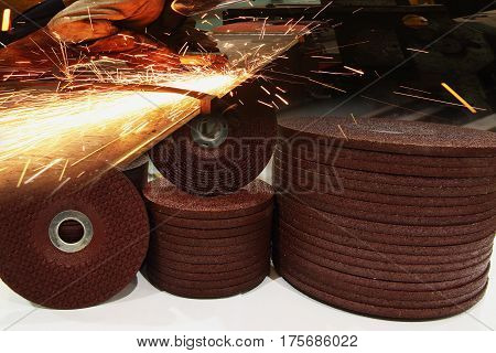 The abrasive discs stone for metal grinding in industrial steel with sparks