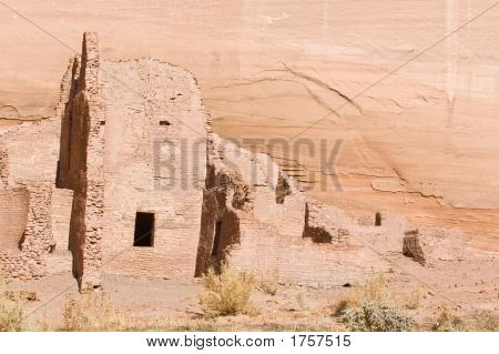 Anazazi Ruins - Canyon De Chelly