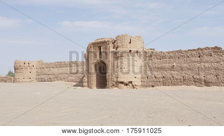 Ruin of an old Caravansary in the desert around Yazd, Iran, Asia