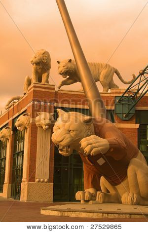 Tiger statues in front of tiger stadium