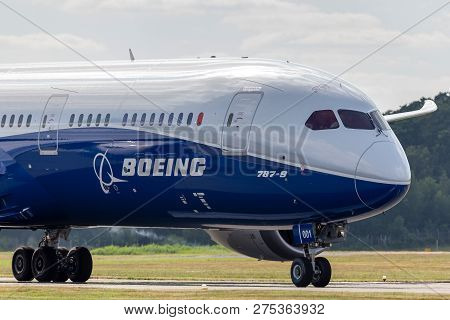 Farnborough, Uk - July 16, 2014: Boeing 787-9 Dreamliner Commercial Airline Aircraft N789ex.