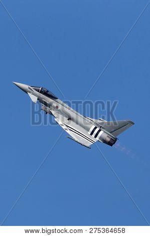 Farnborough, Uk - July 19, 2014: Royal Air Force (raf) Eurofighter Ef-2000 Typhoon Fgr4 Zk308 From N