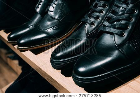 Men's Black Leather Shoe.