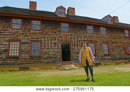 Augusta, Me, Usa - Jun 7, 2015: Historical Patriot Reenactor In Fort Western Is A Former British Col