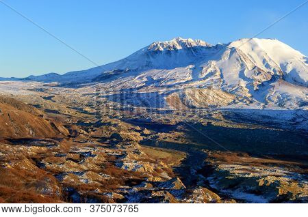 Mount Saint Helens National Monument, An Active Stratovolcano In Washington State, Usa