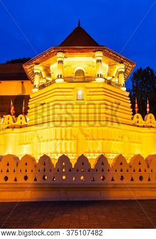 Temple Of The Sacred Tooth Relic Or Sri Dalada Maligawa In Kandy At Sunset. Sacred Tooth Relic Templ