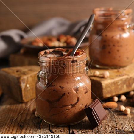 chocolate mousse- vegan homemade chocolate mousse