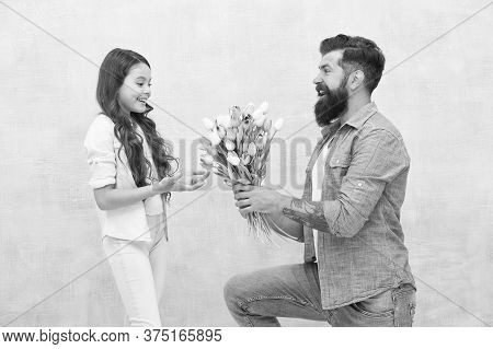 Happy Birthday Dear. Tender Tulips For Daughter. Man Tulips Bouquet. Father Tulips Girl. Dad With Fl