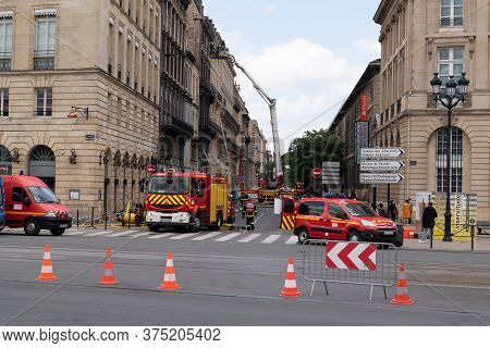 Bordeaux, Gironde / France - 05 26 2019 : Spectacular Firerfighter Intervention In City Center Build