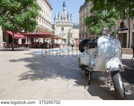 Bordeaux , Aquitaine / France - 10 30 2019 : Vintage Scooter And Cafe Palace Square In Bordeaux Giro