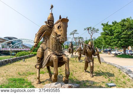 Gimhae, South Korea - June 18, 2017 : Replica Of Gaya Dynasty Troops Bronze Statue In Gimehae, South