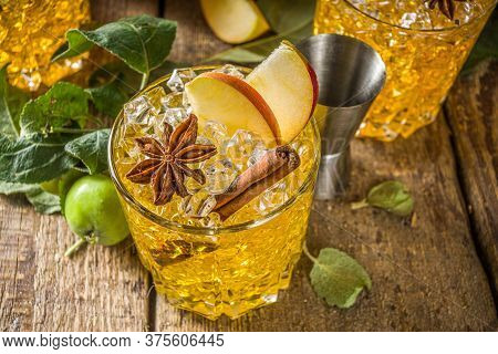 Apple Cider Cocktail With Spices