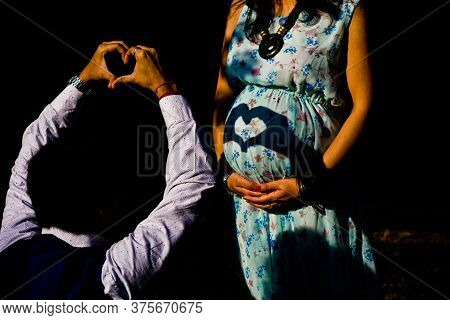 Maternity Shoot Pose For Welcoming New Born Baby In Lodhi Road In Delhi India, Maternity Photo Shoot