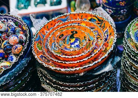Souvenir And Gift Ceramic Bowls With Ottoman Style Art Patterns