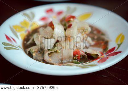 Luang Prabang Papaya Salad. Spicy Papaya Salad With Shrimp Paste Fried Shallots (thai Called Name So