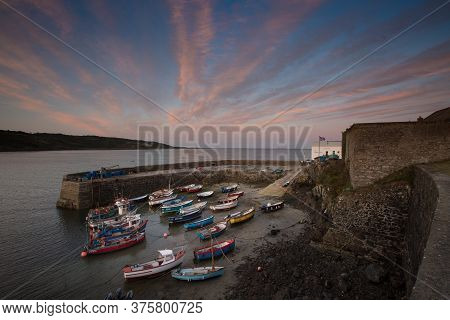 Coverack, Cornwall, Uk, - September 9, 2018.  The Picturesque Harbour Of The Small Cornish Fishing V
