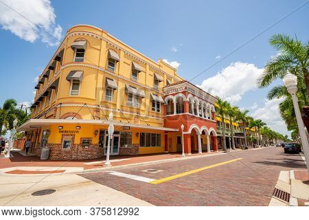 Fort Myers, Fl, Usa - July 8, 2020: Photo Of Iberia Bank Downtown Fort Myers Fl Usa