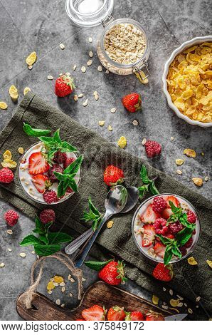 Granola Yogurt Fruits