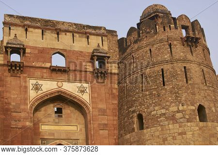 Delhi, India - January 7, 2009: Fortified Entrance To The Historic Mughal Fort Of Purana Qila In Del