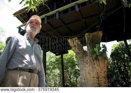 Nova Vicosa, Bahia / Brazil - September 3, 2009: Frans Krajcberg, Artist And Environmentalist, Is Se