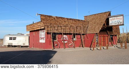Mojave Desert, California / Us - 05 28 2018 : Bagdad Cafe Known As Out Of Rosenheim Remote Truck-sto