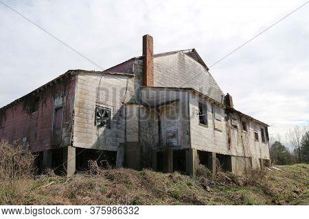Anold Abandoned Stone Wood Farm Barn Building