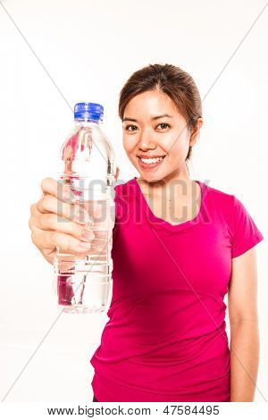 sporty woman with waterbottle