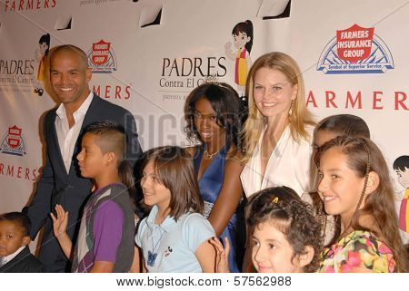 Amaury Nolasco and Jennifer Morrison  at the 9th Annual Padres Contra El Cancer's 'El Sueno de Esperanza'. Hollywood Palladium, Hollywood, CA. 09-10-09
