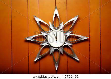 An unusual retro clock