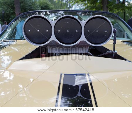 Air inlet of the sports car on show of collection Retrofest cars